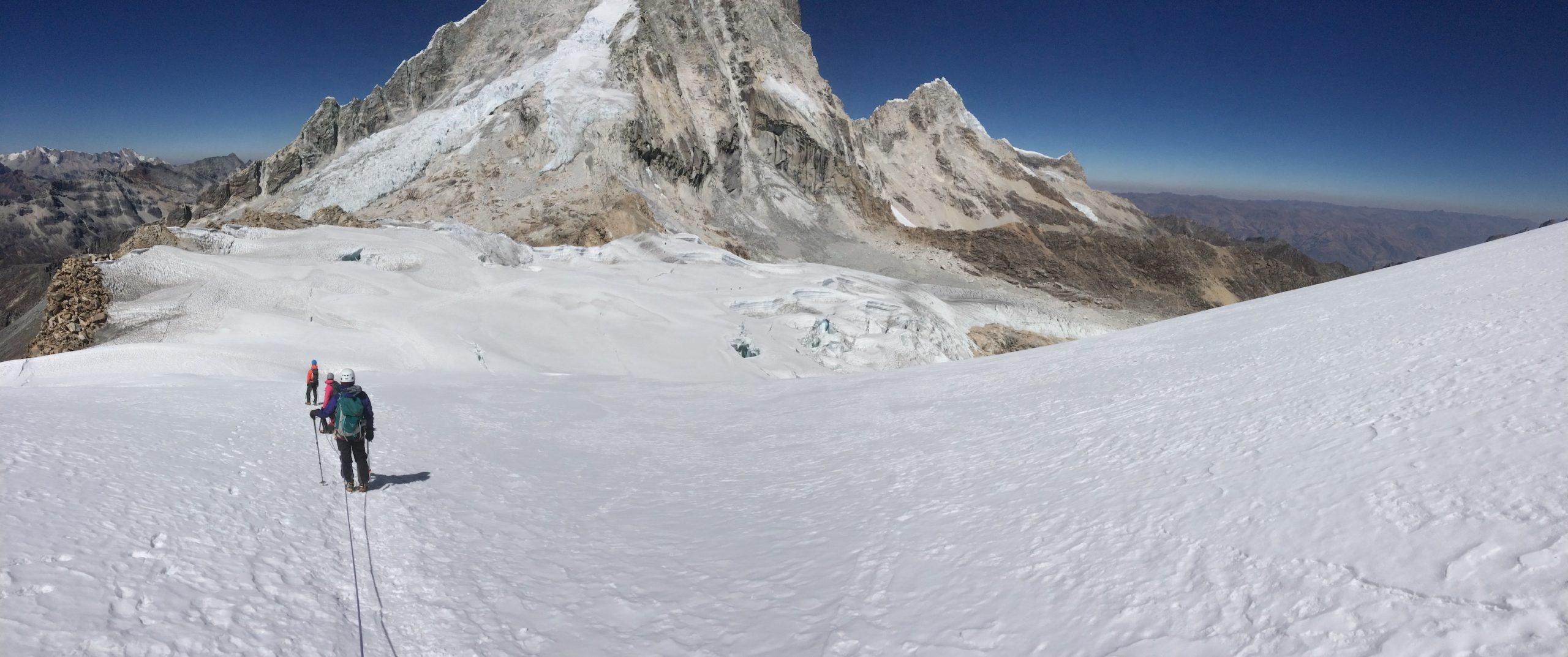 Sommet des montagnes au Pérou
